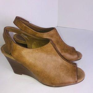 Aerosoles HeelRest Faux Leather Wedges Size 9